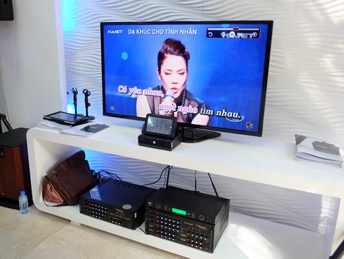 Đầu Karaoke chạy Android giá 12,9 triệu đồng